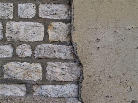 Sandstein Verputzen Aussen by Au 223 Enmauer Verputzen 187 Anleitung In 4 Schritten