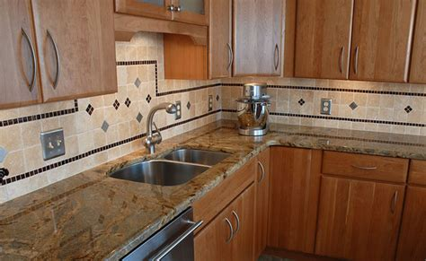 Kitchen Backsplash Pictures With Oak Cabinets by Oak Cabinet Backsplash Home Decor And Interior Design
