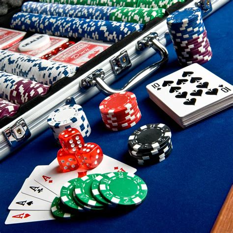 poker table and chips set 500 chip set