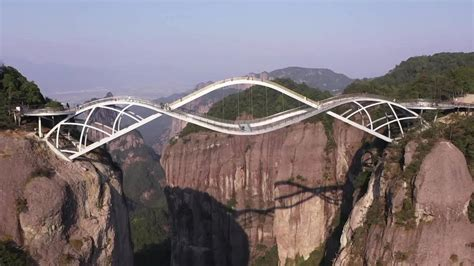 Breathtaking Double Deck Bridge Becomes Hot Chinese