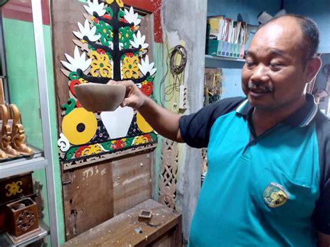 We did not find results for: Abdullah Gampang, Perintis Usaha Ukiran Kayu Motif Dayak ...