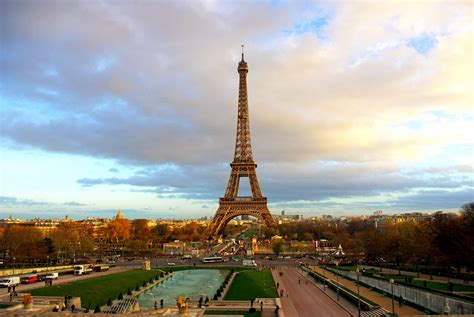 fun facts   eiffel tower french moments