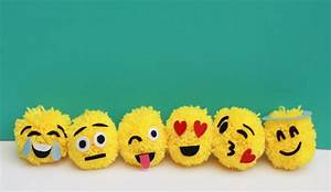 8 Epic Emoji-Themed Crafts, Activities & Recipes