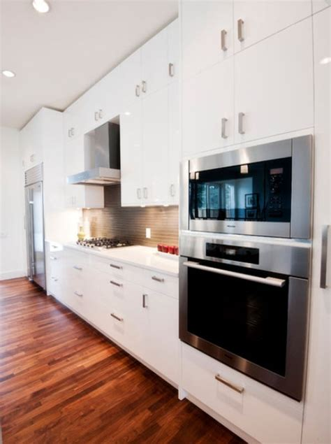 kitchen floor ideas pictures best 25 built in microwave oven ideas on 4781