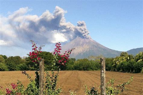 Nikaragva: zaradi izbruha ognjenika odredili evakuacijo