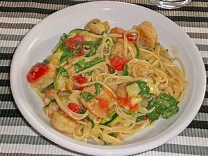 Pasta Mit Garnelen : sommerliche pasta mit garnelen tomaten und rucola von petitzebre ~ Orissabook.com Haus und Dekorationen