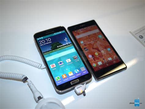 samsung galaxy s5 vs sony xperia z1 z1s look phonearena reviews