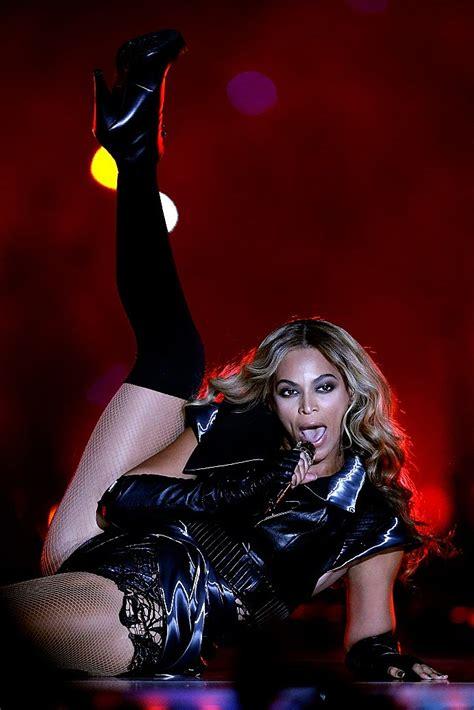 Hollywood Dirt Beyonces Super Bowl Performance Did She