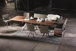 Table En Noyer : meuble tv noyer massif meuble tv noyer design le luxe d 39 un meuble tv en noyer massif ~ Teatrodelosmanantiales.com Idées de Décoration