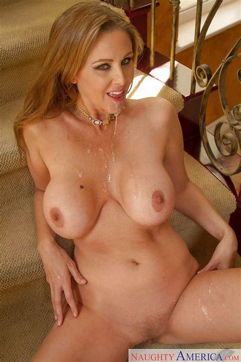 Mature Mom Julia Ann Gives Head And Gets Cum On Her Pretty