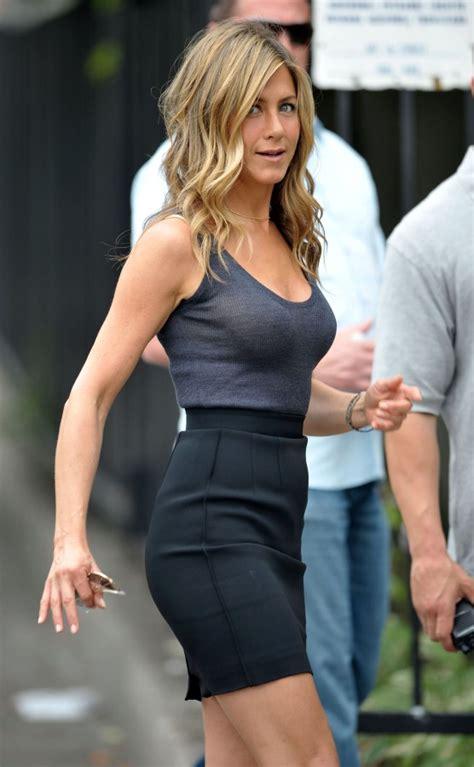 Top Hot Jennifer Aniston Smoking Hollywood Film Star The Cigarmonkeys