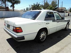 1993 Mercedes - Benz 300e Base Sedan 4