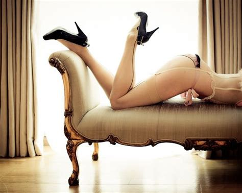 chaise boudoir 26 best boudoir chaise images on boudoir