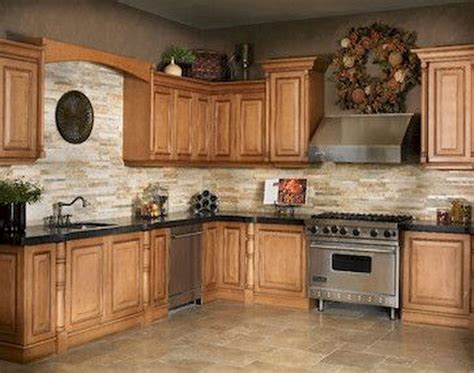 paint colors that go with oak cabinets what paint color goes with oak cabinets warm kitchen