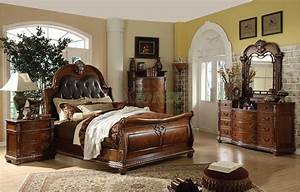 Traditional Sleigh Bedroom Furniture Set With Leather