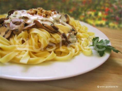 tagliatelles aux chignons au gorgonzola et aux noix la recette gustave
