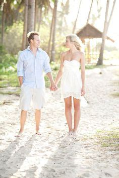 Engagement picture ideas on Pinterest | 26 Pins