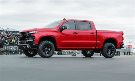 2019 Chevrolet Silverado 1500 Trail Boss Takes Bowtie