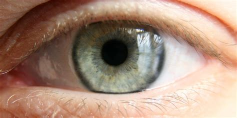 blind eye contacts sleeping with contact lenses in made this go blind in