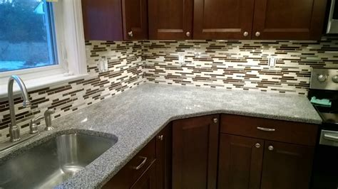 how to install glass tile backsplash in kitchen mosaic kitchen backsplash mosaic tile backsplash ideas
