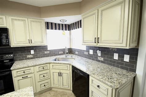 kitchen cabinet backsplash ideas what color granite countertops with white cabinets 5153