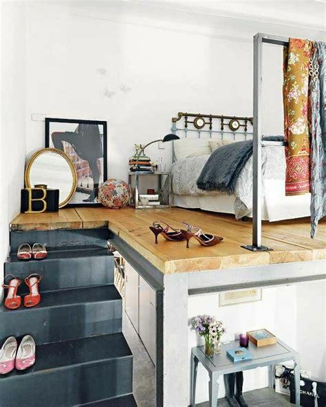 les meubles de la chambre comment bien choisir un meuble gain de place en 50 photos
