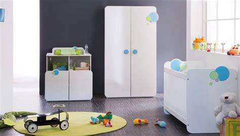 chambre de b b but armoire bébé 2 portes avec penderie pour la chambre de