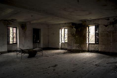 chambre couvent urbex ancien couvent chambre inquiétante adrien godel