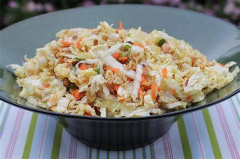 cuisiner du chou chinois salade chinoise au chou et pousses de soja recette