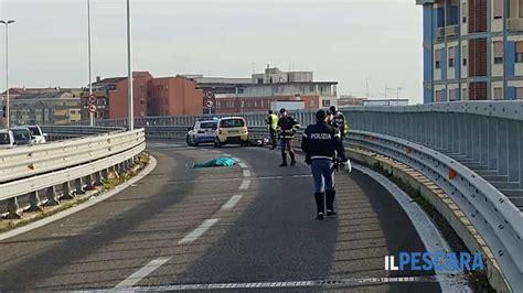 Documents similar to interpellanza consorzio esproprio asse attrezzato. Pescara: incidente sull'asse attrezzato, morto un uomo FOTO