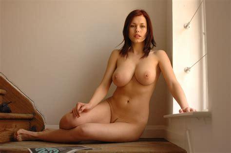 Girl Iga Wyrwal Feet Model Breasts Naked Hd Wallpaper