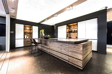 cuisine contemporaine en bois massif 73 idées de cuisine moderne avec îlot bar ou table à manger