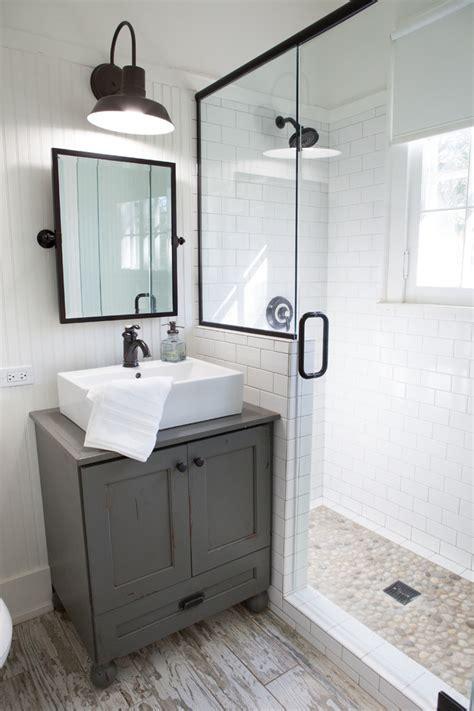 cape cod bathroom design ideas 现代设计小浴室装修效果图 土巴兔装修效果图