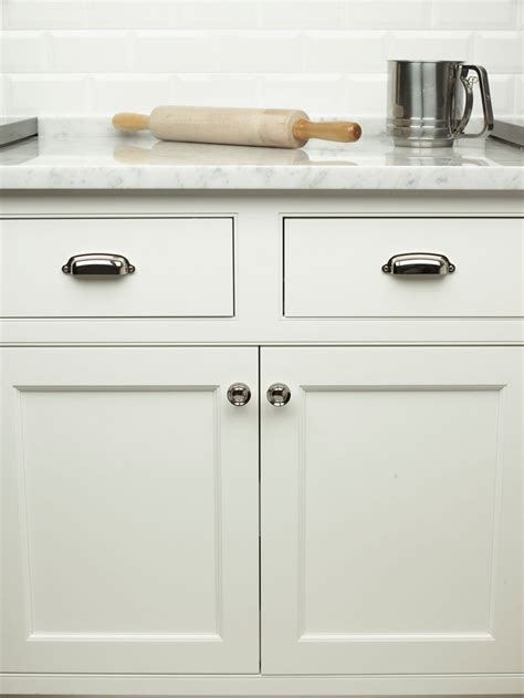 top knobs cabinet pulls knobs4less com offers top knobs top 61284 cup pull