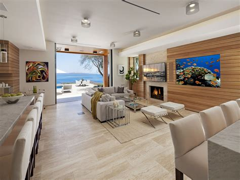 Post-Modern Contemporary Oceanfront Mansion In Santa