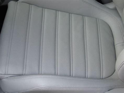 nettoyer siege en cuir nettoyer des sièges cuir climatisés intérieur