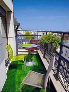 amenagement deco pour petit balcon meme etroit With comment amenager un jardin tout en longueur 7 comment amenager un balcon etroit