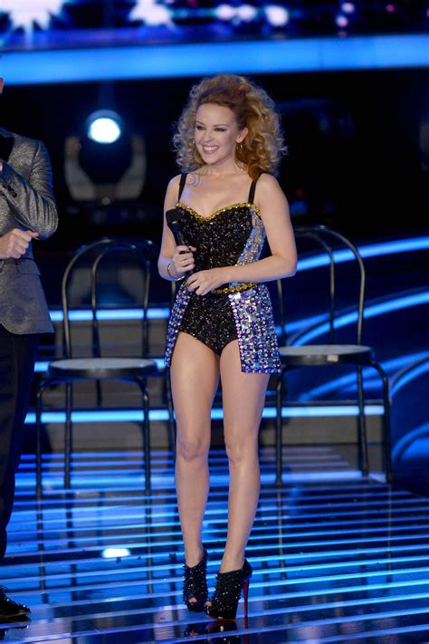 KYLIE MINOGUE Performs on Italian X-Factor – HawtCelebs