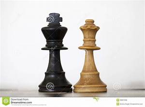 Black King And White Queen Wooden Chess Pieces Stock Photo ...