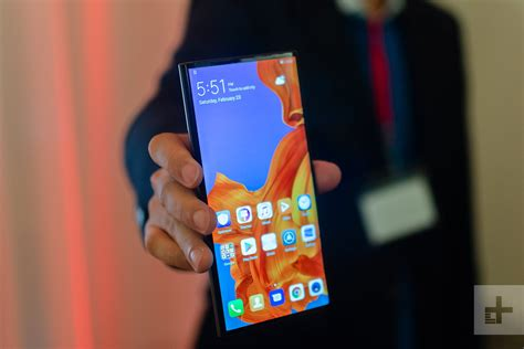 samsung s no touching strategy may be the galaxy fold s