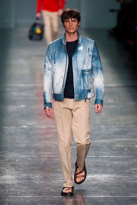 modetrends fruehjahr sommer  fuer maenner jeans