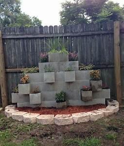 Jardin Deco Exterieur : bloc b ton pour la d co de jardin en 30 id es cr atives ~ Teatrodelosmanantiales.com Idées de Décoration
