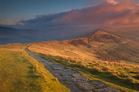 great ridge sunrise mam tor derbyshire travel