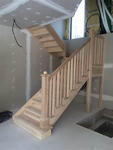Peindre Escalier En Bois : peindre un escalier l 39 atelier des couleurs ~ Dailycaller-alerts.com Idées de Décoration