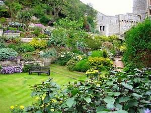 Garten Hang Gestalten : garten am hang gestalten eine ppige bepflanzung auf mehreren ebenen gartengestaltung und ~ Markanthonyermac.com Haus und Dekorationen