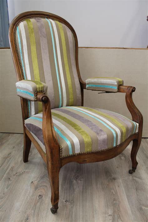 recouvrir un canapé en tissu les tissus d 39 ameublement pour tapisser voltaire vendus par