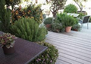 Terrassengestaltung Kleine Terrassen : mediterraner terrassengarten hanggarten mit abgestufter holzterrasse terrassengestaltung ideen ~ Markanthonyermac.com Haus und Dekorationen