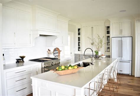 Crisp Home Design by Nantucket Inspired White Kitchen Design Home Bunch