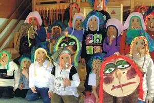 Krippe Zum Spielen : masken basteln kinderspiele ~ Frokenaadalensverden.com Haus und Dekorationen