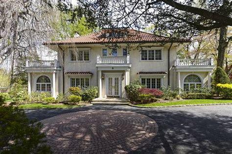 Long Island Home Scott Fitzgerald Seeks Million